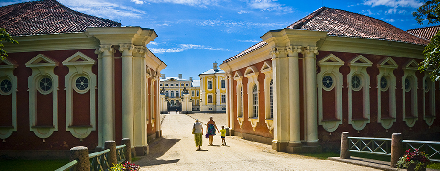 Tours in Rundale. Visit Rundale. Visit Latvia. Baltic Tours.