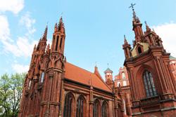 Baltic-Tours-Com-Annas-Church-4