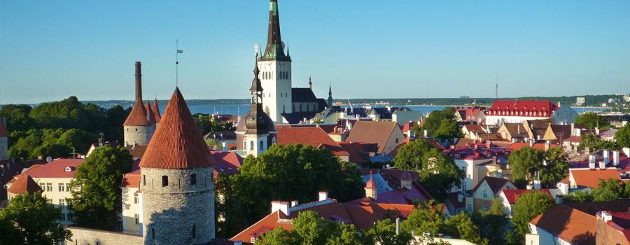 Tallinn-Old-Town-900x350