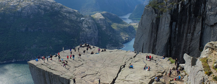Tourists-In-Fjords
